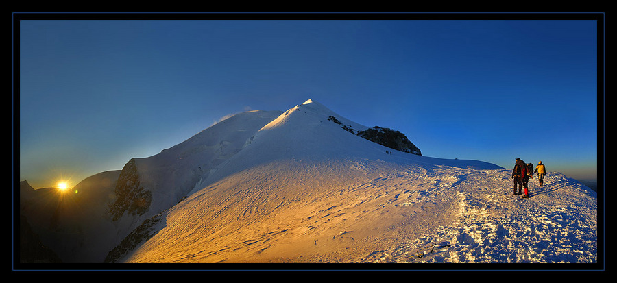 Mont blanc: meeting the sunrise | snow, dawn, people, mountains, panorama