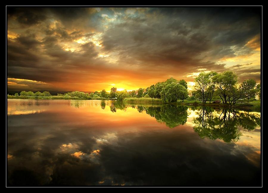 spring reflections at dusk | dusk, clouds, hdr, lake, reflection