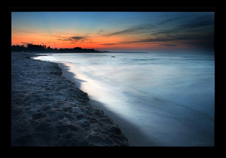 Sunset at Ladoga   forest, shore, river, sand, dusk