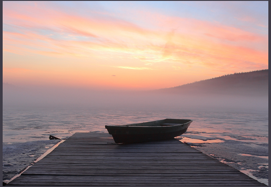 Step behind | tenderness, fog, sunrise, boat, mooring