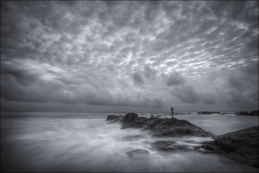 Cracked sky | fisherman, ocean, texture, clouds, stone