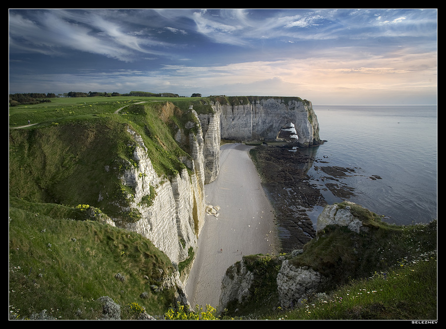 The northern coast of Normandie | field, sea, shore, panorama, rock