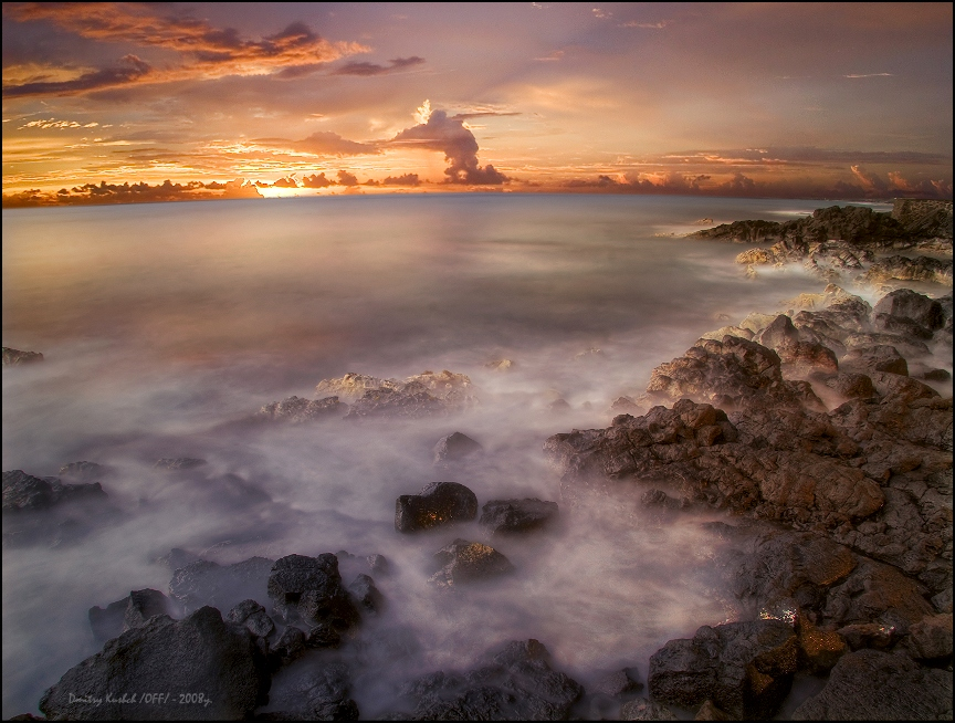 The storm will come tomorrow... | dusk, ocean, shore, foam, sky, waves, rocks, panorama