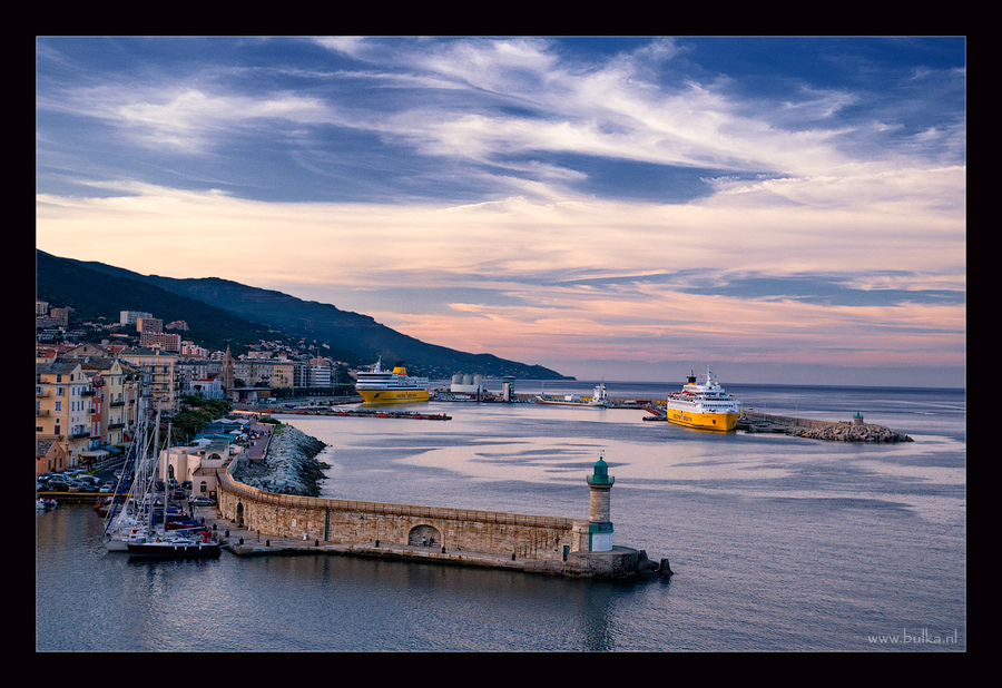 Evening in the docks of the corsican Bastia | shore, sea, clouds, sky, mountains, boat, waves, house, dock, town, panorama, people, evening, hdr