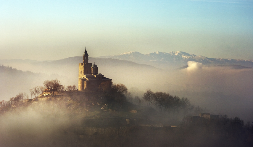 Old fortress | mountains, clouds, morning, fortress