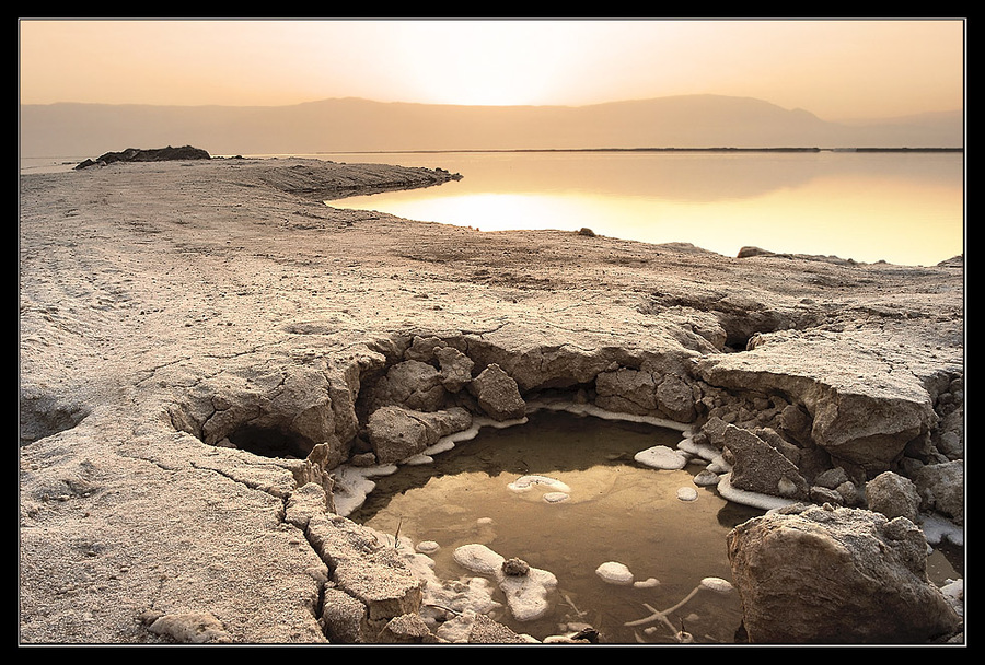 Golden salt of Dead sea | sky, sea, rocks, rendering