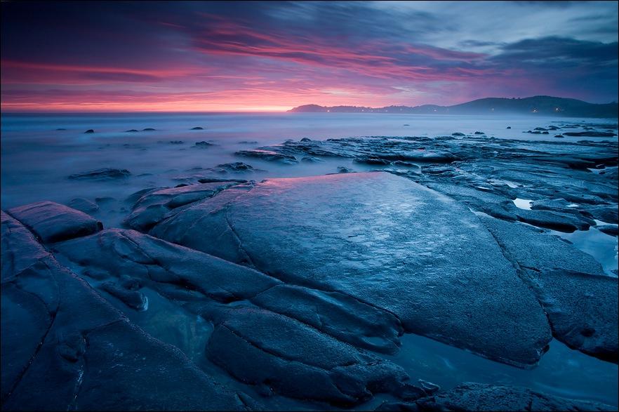 Waiting for a dawn | sea, rocks, dawn