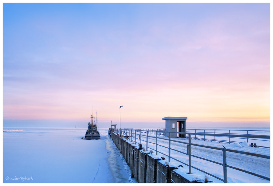 In the ices  | sea, ship, wharf, ice