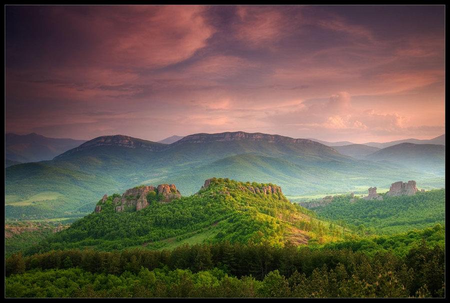 Belogradchik rocks | panorama, forest, sky, mountains
