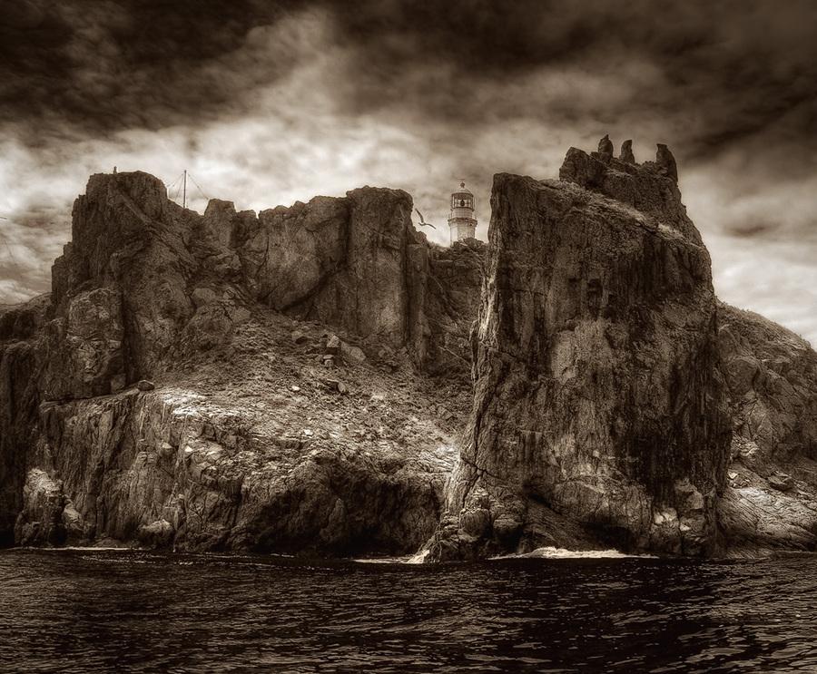 Gamow cliff | sea, black and white, rocks, cliff, beacon