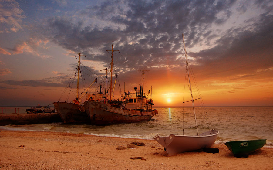 Azov | sunset, ship, boat, sea, sand