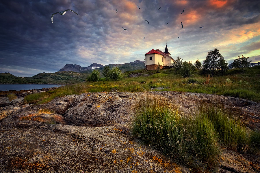 Norway | house, rocks, hdr