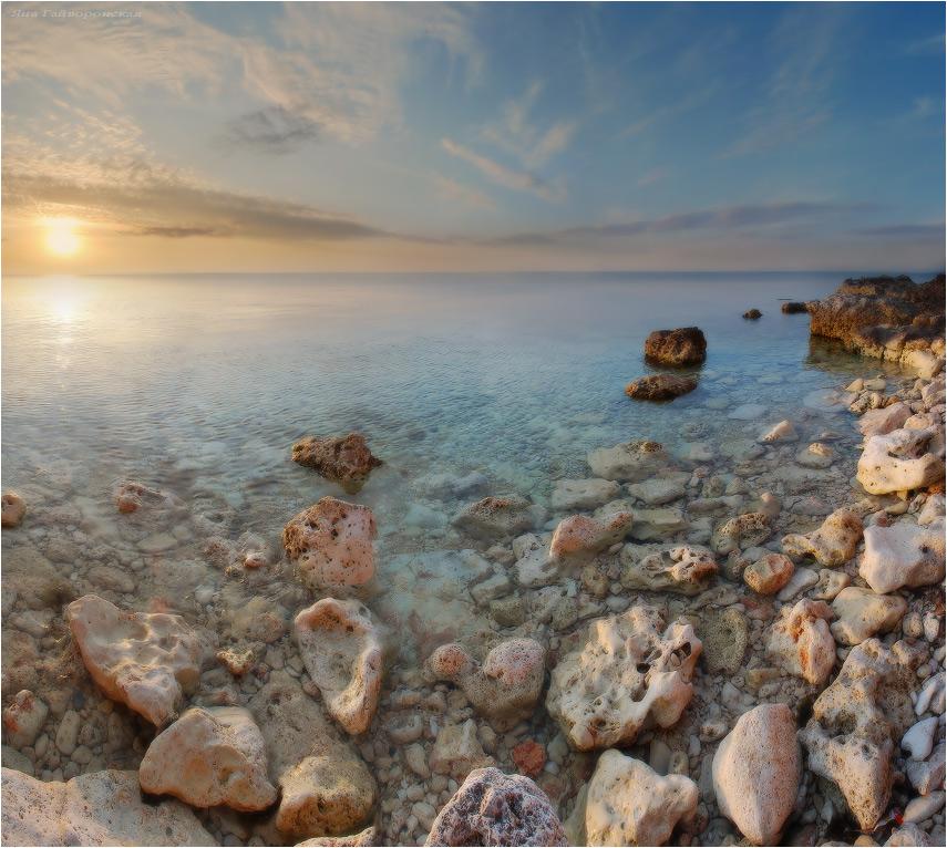 Light sea | rocks, sea, sunrise