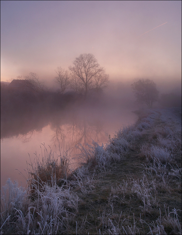 Fairytale of coming winter | river, silhouette, grass, fog