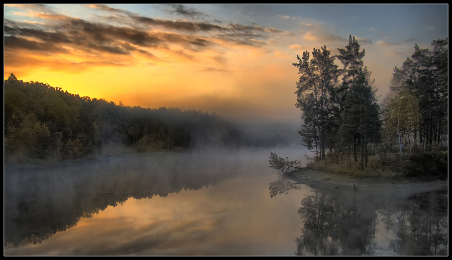Frosty dawn | mist, reflection, dawn, river
