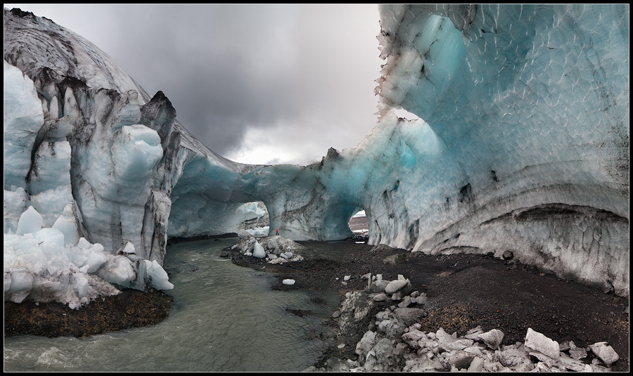 The ice caves of Iceland   ice, water