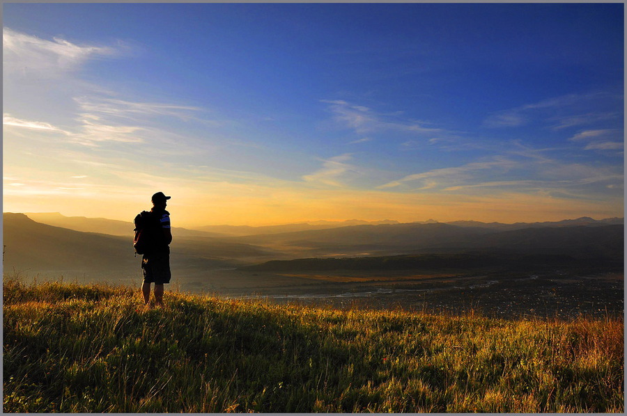 Morning in the Psebaya mountains | mountains, valley, people
