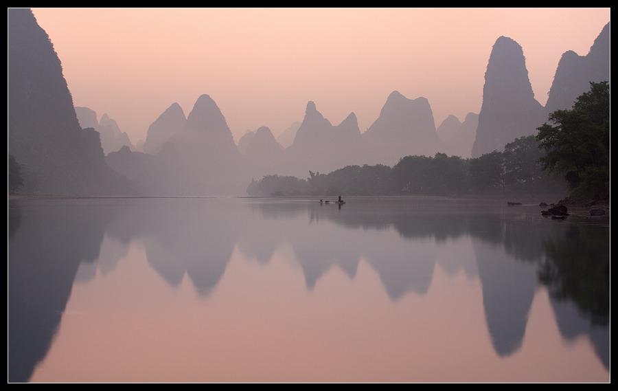 Rice watercolour | lake, reflection, dawn, rocks