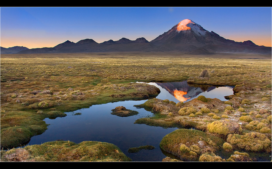 The fiery eye of the volcano | mountains, reflection, panorama