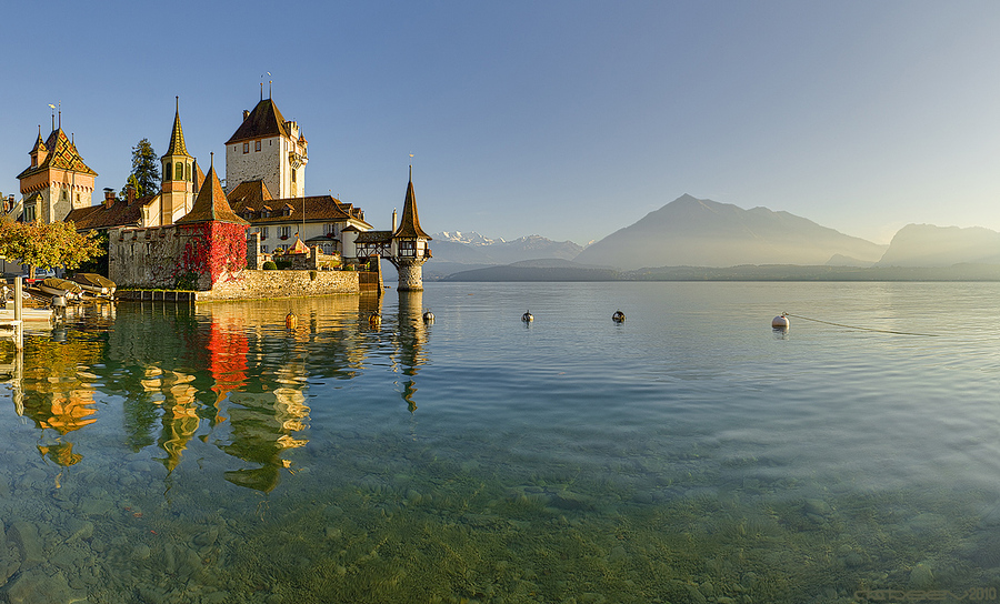 Oberhofen Castle | water, mountains, Switzerland, castle