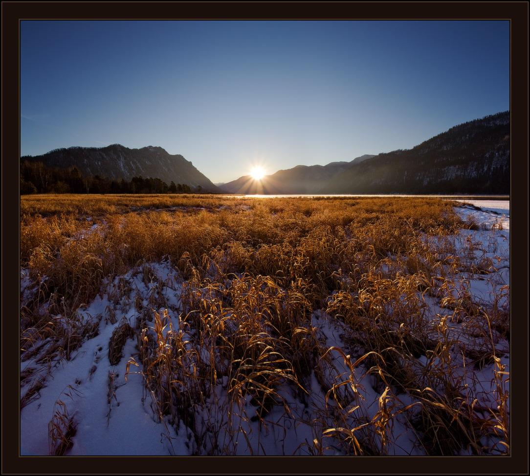 Dawn, Altai   Altai, gulf, morning, sun, grass, landscape, mountains, Teletskoye, snow , dawn