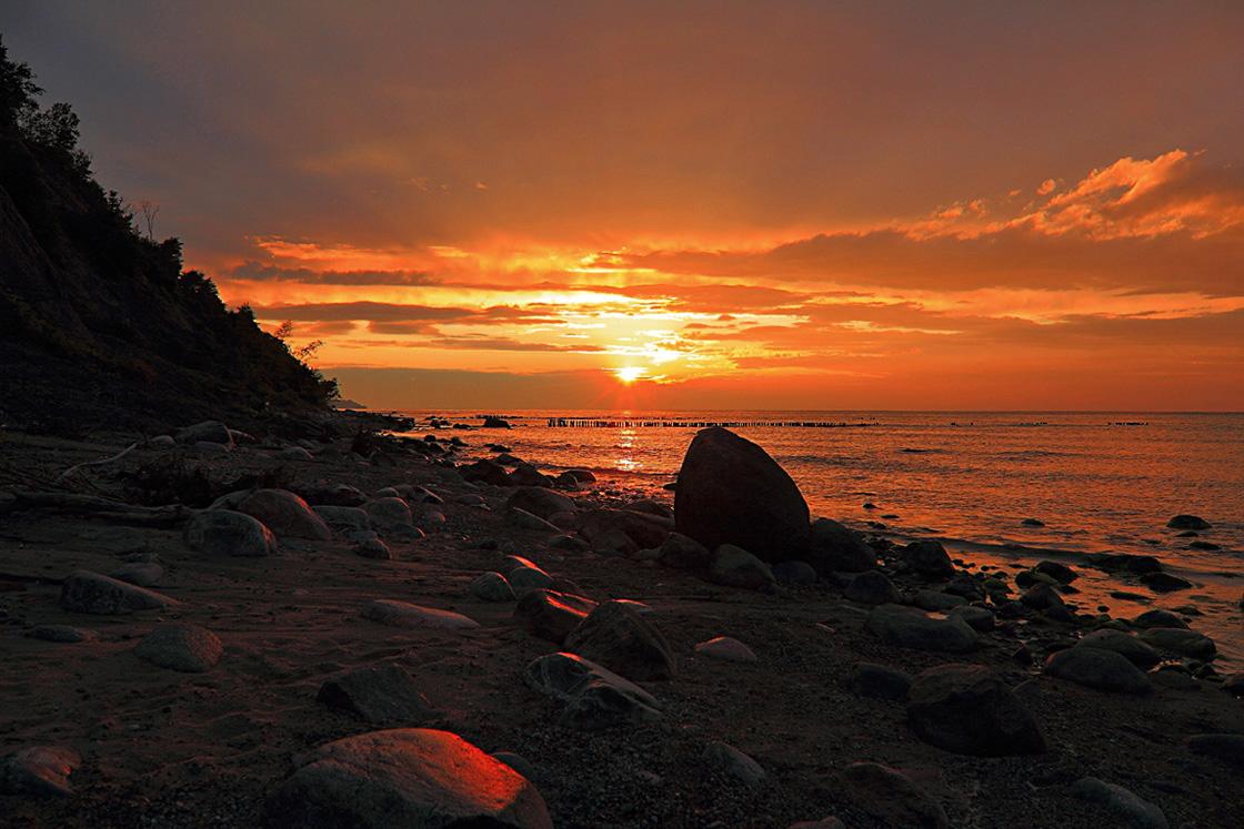 In the dusk | dusk, sea, rock, sky