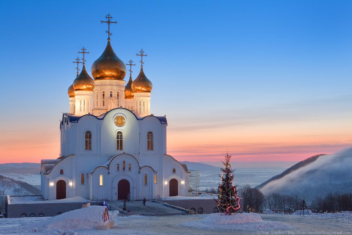 Meeting dawn near the church | church, cupola, winter, snow