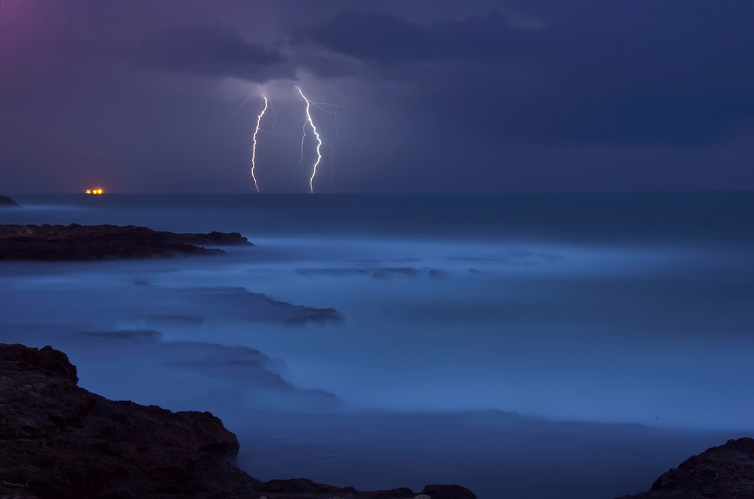 Thunder and lightning | thunder, lightning, seashore, rain