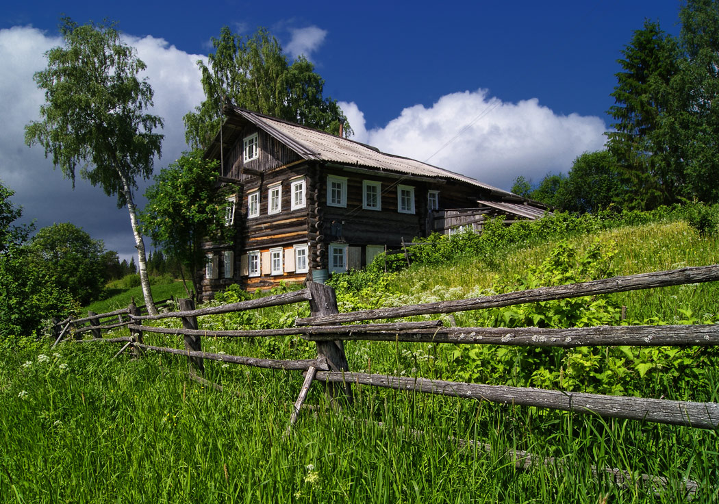 The hoise on the hill | house, green, countryside, field