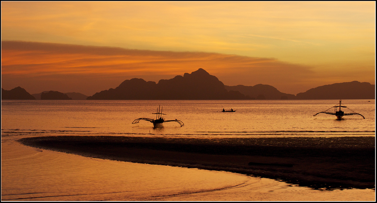 Sunset in  El Nido, Philippines |  El Nido, Philippines, boat, sea, sunset, sky, landscape, hills, island, float