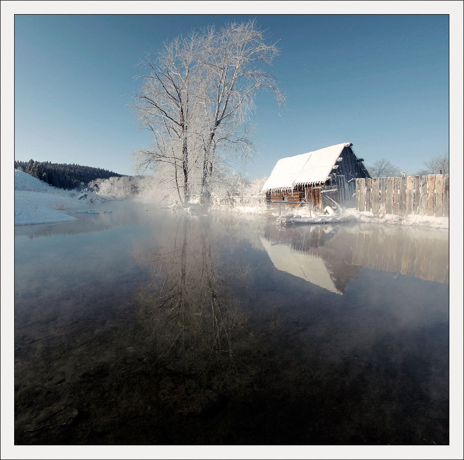 Mirror of winter | landscape, outdoor, nature, winter, snow, frost, house, pond, mirror, fog