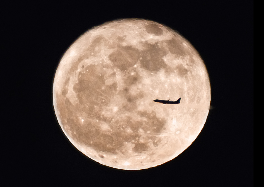 Flying to the Moon | Moon, airplane, sky, satellite