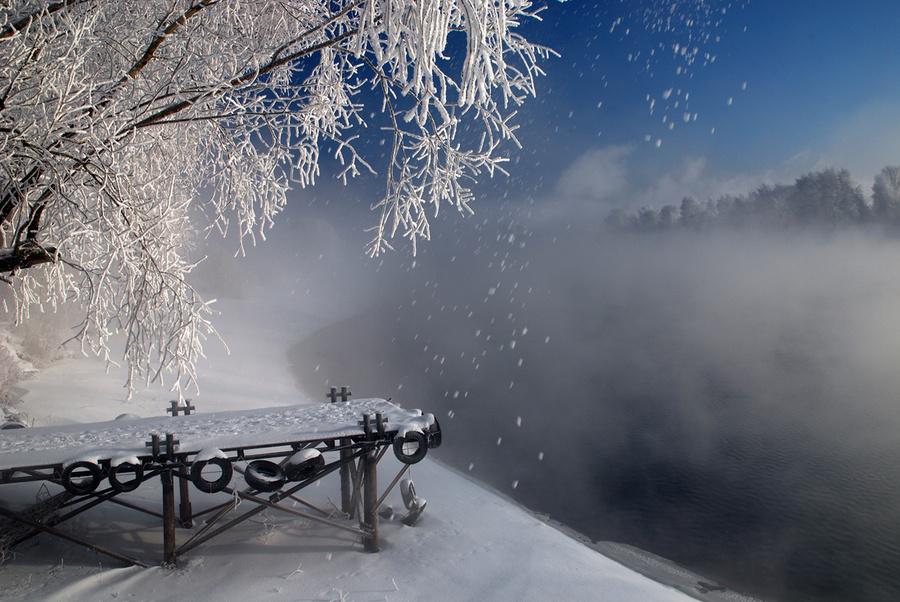 Snowflakes | snowflakes, winter, river, bridge