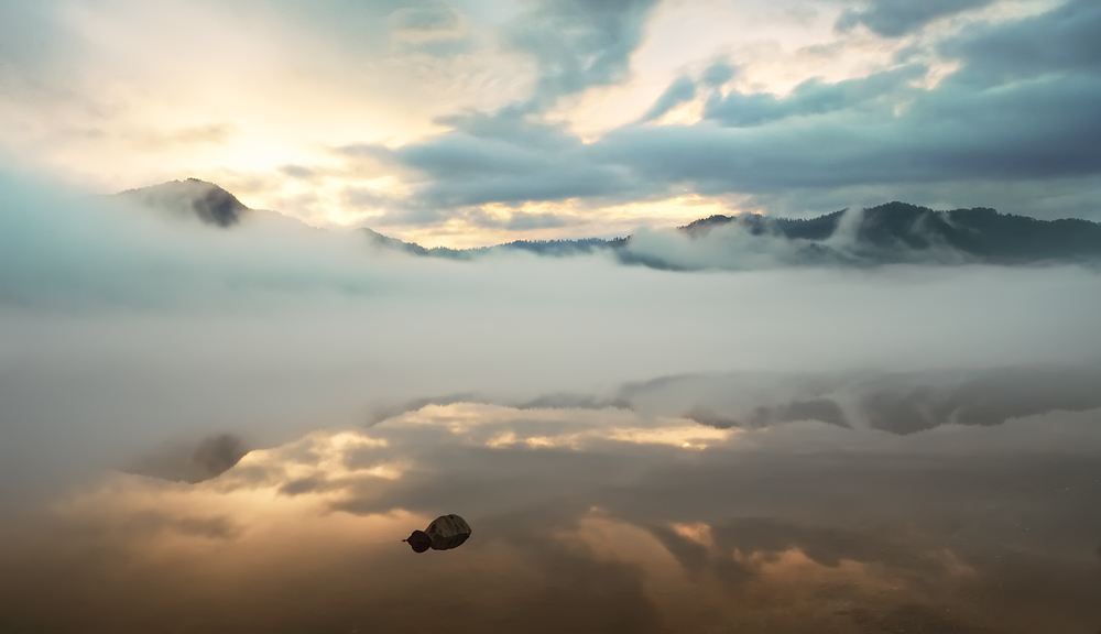 Lake Teletskoye, daybreak | Altai, lake , Teletskoye , morning, fog, daybreak, mountains, water, landscape, light