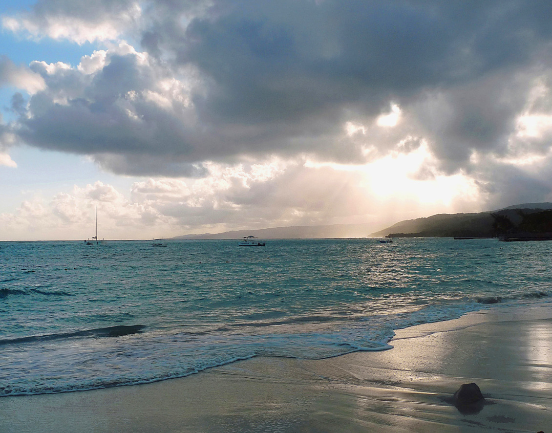 Summer sunder | rain cloud, ocean, beach, sunbeam