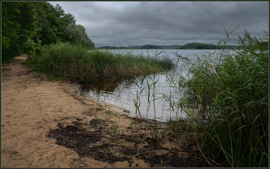 Lake Sapsho | dull day, lake Sapsho, sand, beach