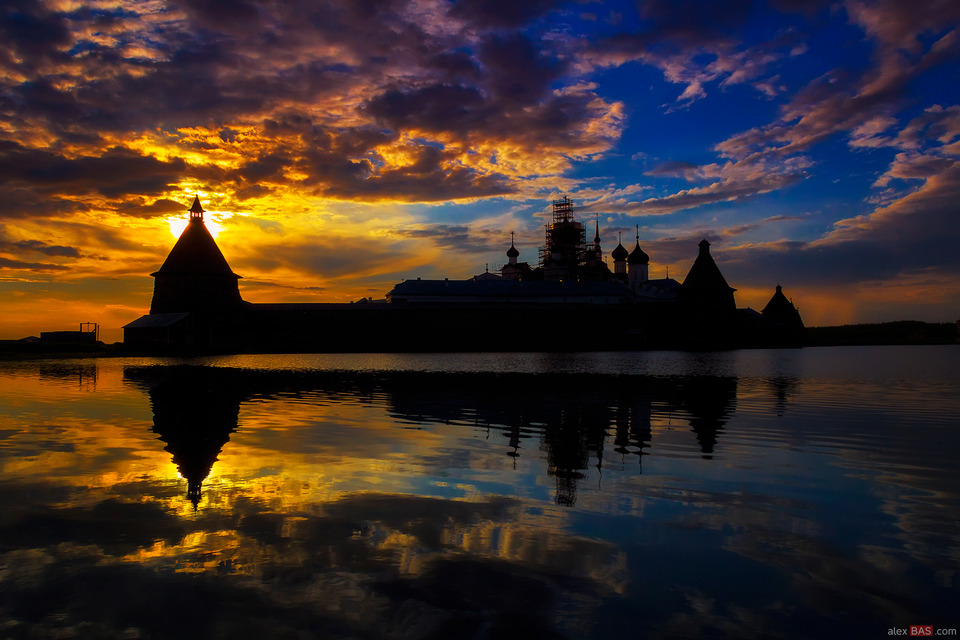 Sunset | dome, sunset, evening, water, sun, church, clouds, scaffolding, reflection, landscape