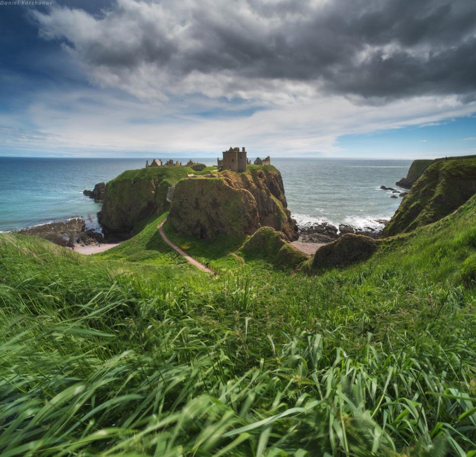 Fairy tails of scotland | Scotland, meadow, sea, abrupt coast