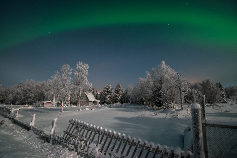 Seeing polar lights in the country   polar lights, village, winter, snow