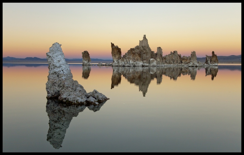 Mono Lake,  California | Mono,  California, lake, salts , USA, water, alkaline, skyline, landscape, reflection